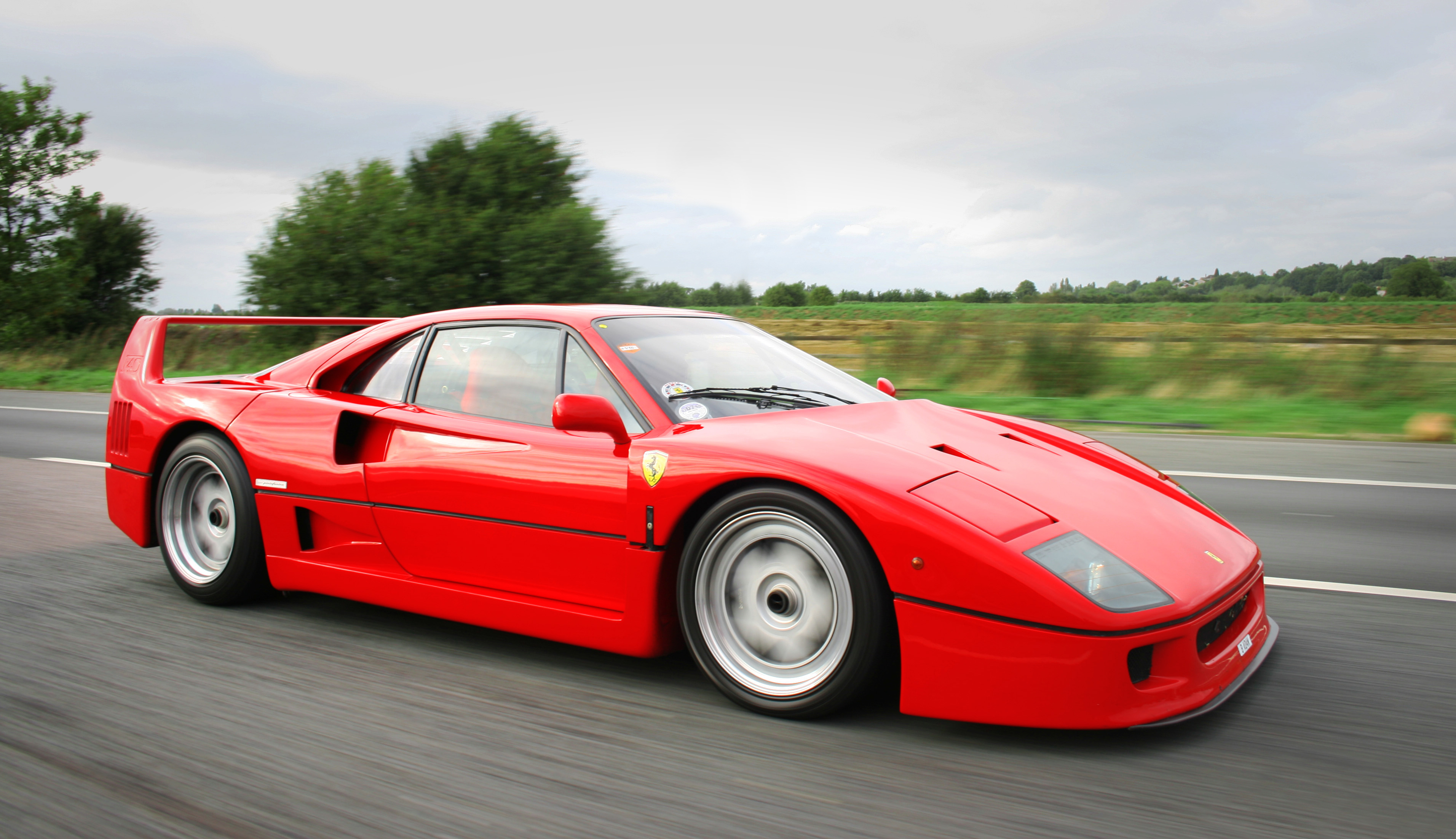 christophe, tu abuses Ferrari_F40_supercar