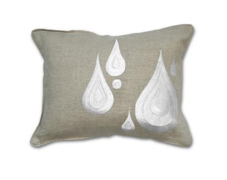 اضيفي لمساتك ... لمخداتك  125730d1342167417-a-bedroom-decorating-embroidered-pillows-3
