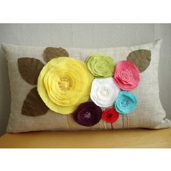اضيفي لمساتك ... لمخداتك  125740d1342167743-a-flowers-linen-pillow-cover-by_5c3ad8ed