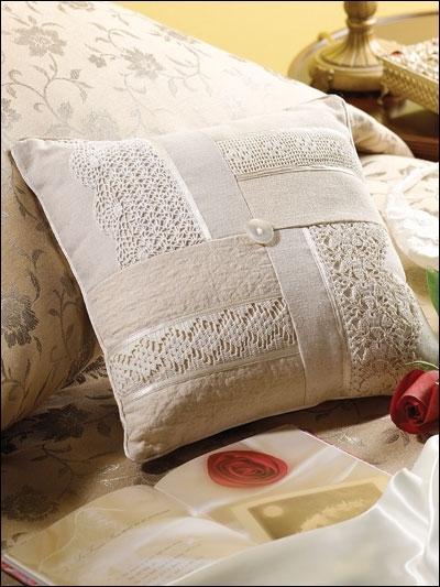 اضيفي لمساتك ... لمخداتك  125788d1342169305-a-pillow2