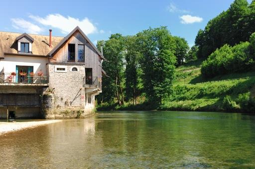 Le Doubs 25 location vacances Page1_1