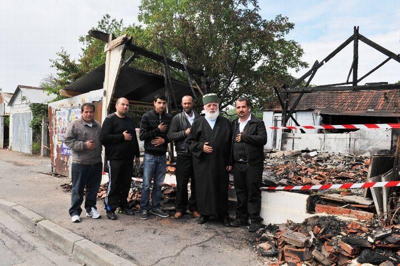 """Explosion devant la mosquée de Villefranche-sur-Saône, """"un symbole"""" Mosquee-kosovars-incendie-rue-du-gue_1611019"""