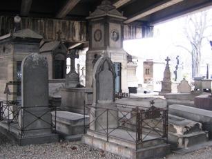 Cérémonie d'Hommage à la mémoire de l'aspirant André ZIRNHELD le 21 novembre 2009 cimetière des Batignolles - reportage photos en ligne 15_don2