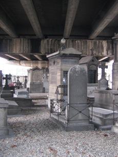 Cérémonie d'Hommage à la mémoire de l'aspirant André ZIRNHELD le 21 novembre 2009 cimetière des Batignolles - reportage photos en ligne 15_don3