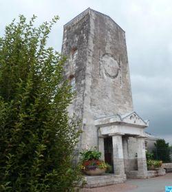 Un monument - Cathy - 8 Décembre- trouvé par Jovany - Page 3 Seclin_cenotaphe