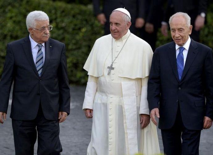 Le Vatican veut-il devenir l'ONU ? Papa-francesco-abu-mazen-e-peres-large