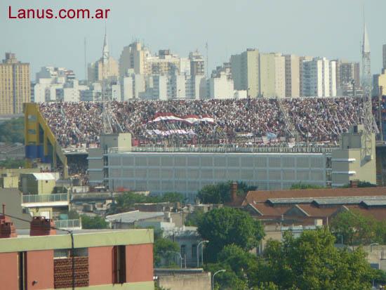 Le Mouvement en Argentine - Page 7 LANUS_CAMPEONBomb