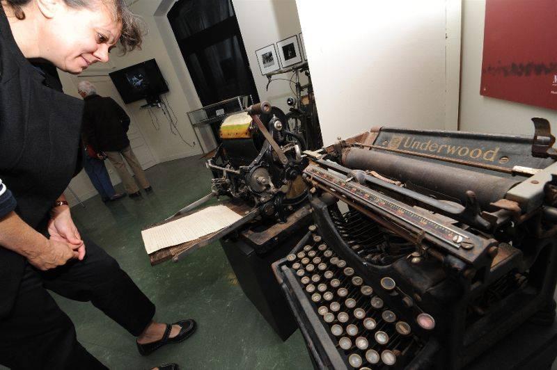 Exposition : Lumière sur les imprimeurs clandestins (2012) Exposition-doisneau-imprimeurs-clandestins-mus-e-de-la-r-sis_756817