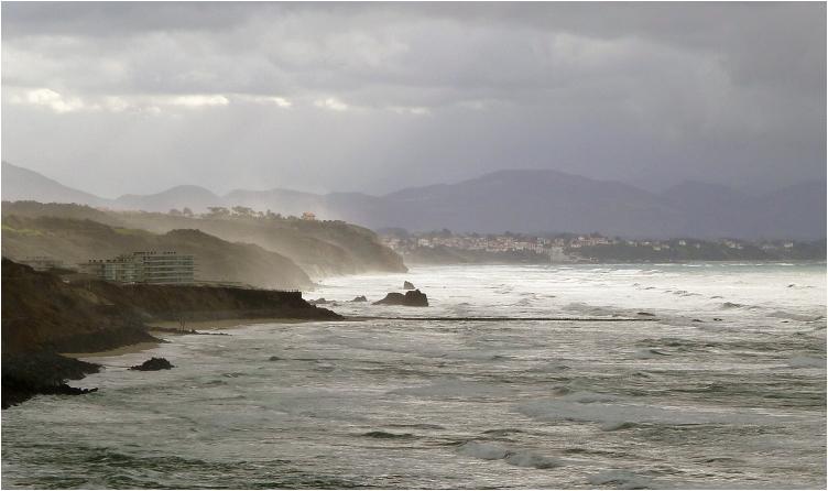 La côte à Biarritz P1010204