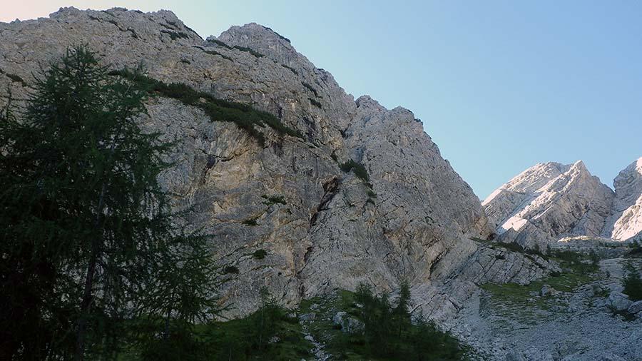 Cima del Torrione (2072 m) e Torrione (2064 m) IMGP0571