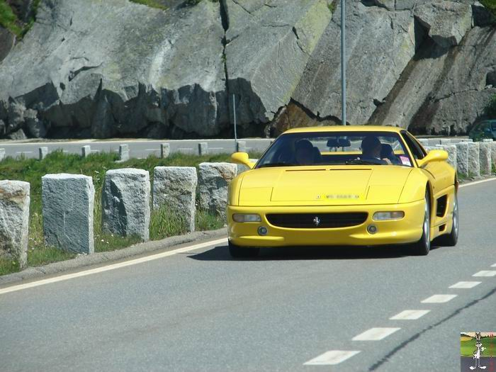 Ferrari sur les routes et autoroutes 0003_Ferrari_Col_Grimsel_Suisse_01
