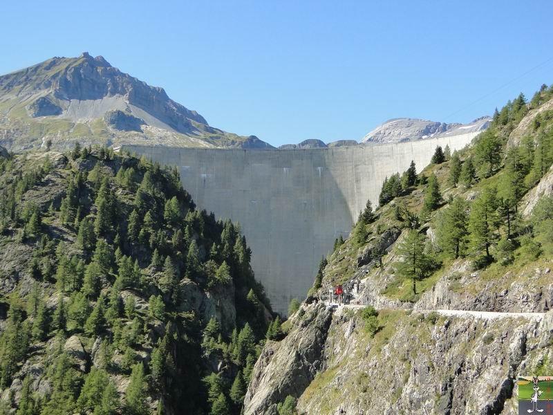 Funiculaire Pied du barrage - Lac d'Emosson (VS, Suisse) (11-09-2010)  Minifunic_Emosson_003