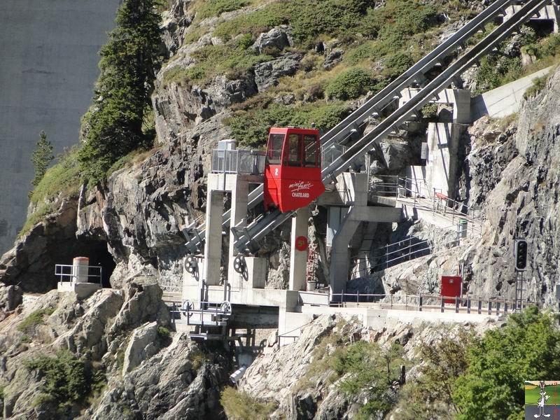 Funiculaire Pied du barrage - Lac d'Emosson (VS, Suisse) (11-09-2010)  Minifunic_Emosson_004
