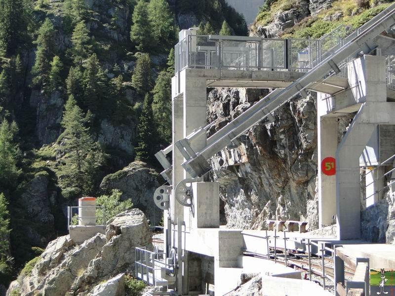 Funiculaire Pied du barrage - Lac d'Emosson (VS, Suisse) (11-09-2010)  Minifunic_Emosson_006
