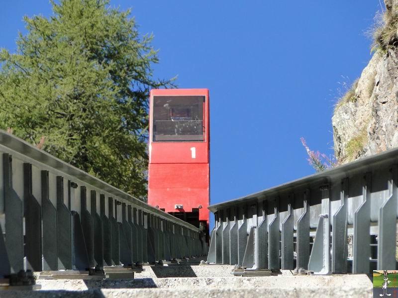 Funiculaire Pied du barrage - Lac d'Emosson (VS, Suisse) (11-09-2010)  Minifunic_Emosson_015