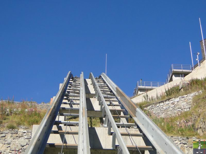 Funiculaire Pied du barrage - Lac d'Emosson (VS, Suisse) (11-09-2010)  Minifunic_Emosson_022