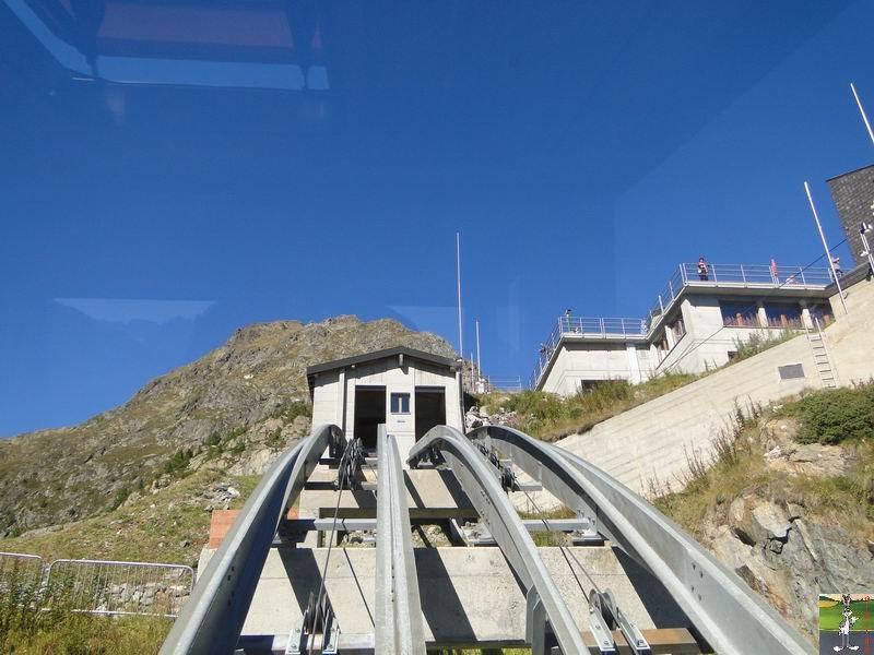 Funiculaire Pied du barrage - Lac d'Emosson (VS, Suisse) (11-09-2010)  Minifunic_Emosson_023