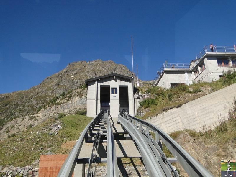 Funiculaire Pied du barrage - Lac d'Emosson (VS, Suisse) (11-09-2010)  Minifunic_Emosson_024