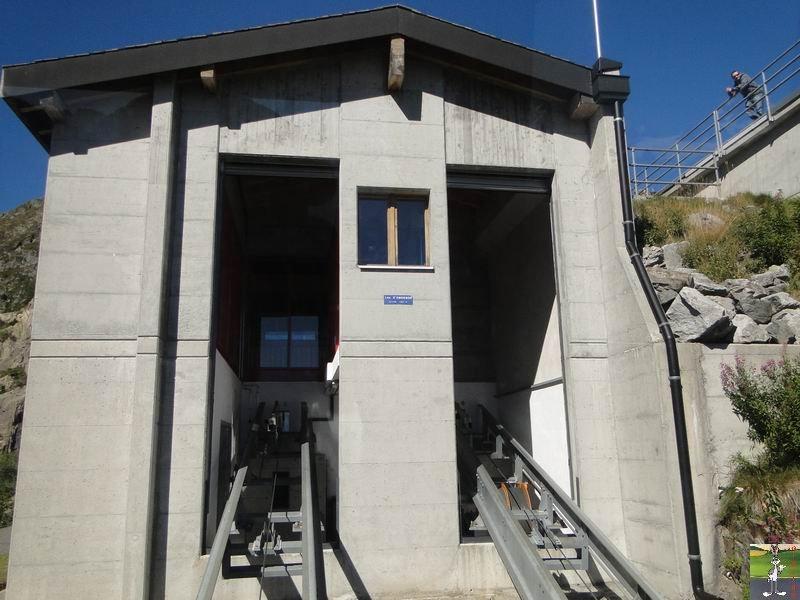 Funiculaire Pied du barrage - Lac d'Emosson (VS, Suisse) (11-09-2010)  Minifunic_Emosson_025