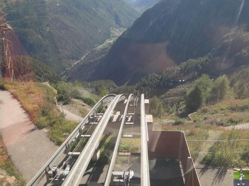Funiculaire Pied du barrage - Lac d'Emosson (VS, Suisse) (11-09-2010)  Minifunic_Emosson_048