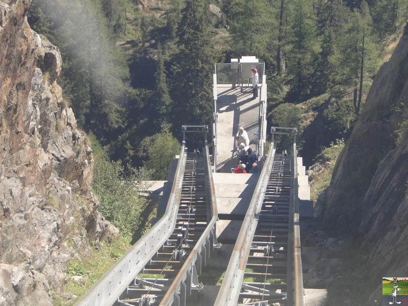Funiculaire Pied du barrage - Lac d'Emosson (VS, Suisse) (11-09-2010)  Minifunic_Emosson_053
