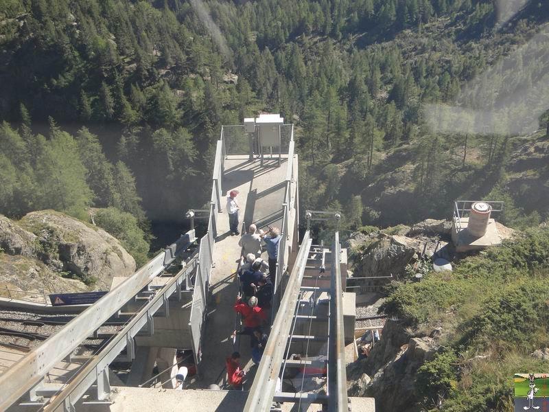 Funiculaire Pied du barrage - Lac d'Emosson (VS, Suisse) (11-09-2010)  Minifunic_Emosson_054