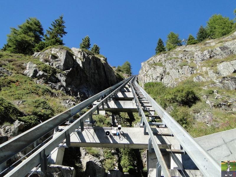 Funiculaire Pied du barrage - Lac d'Emosson (VS, Suisse) (11-09-2010)  Minifunic_Emosson_056