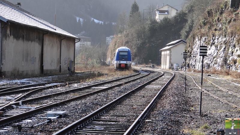 [39-FR] : 2017-12-08 : Dernier voyage d'un train à St-Claude 2017-12-08_gare_st_claude_12