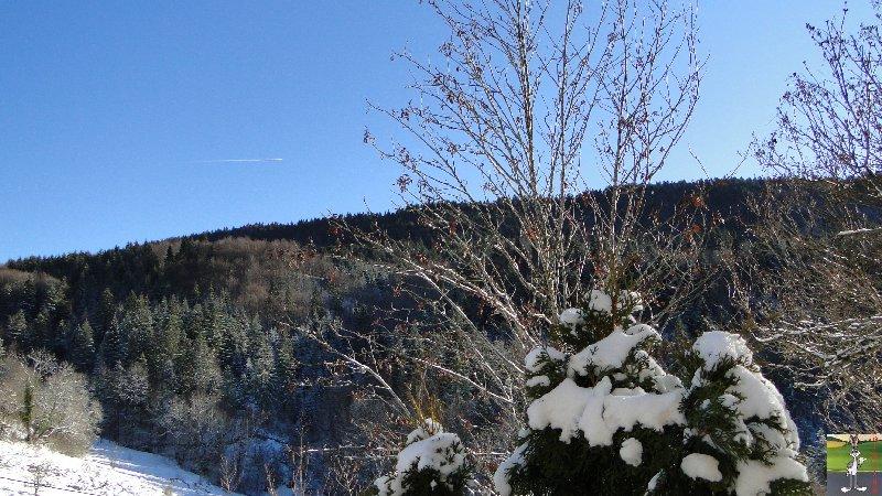 2011-12-25 : Neige et soleil à La Mainmorte (39)   2011-12-25_neige_01