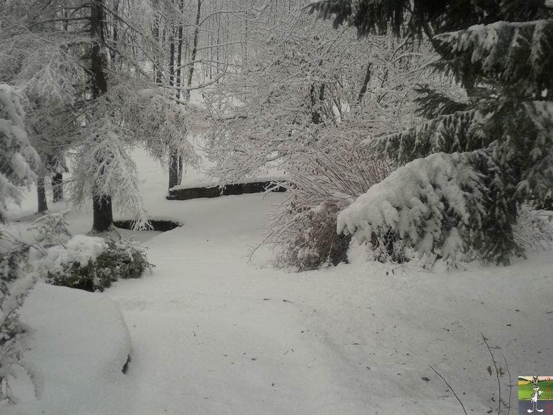 2013-11-30 : Neige, grisaille et soleil à La Mainmorte (39) 2013-11-30_neige_02