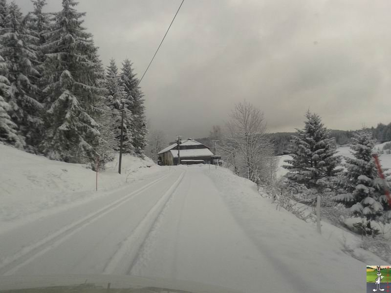 2013-11-30 : Neige, grisaille et soleil à La Mainmorte (39) 2013-11-30_neige_04