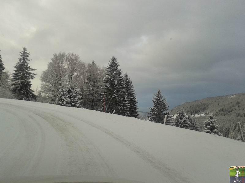 2013-11-30 : Neige, grisaille et soleil à La Mainmorte (39) 2013-11-30_neige_05