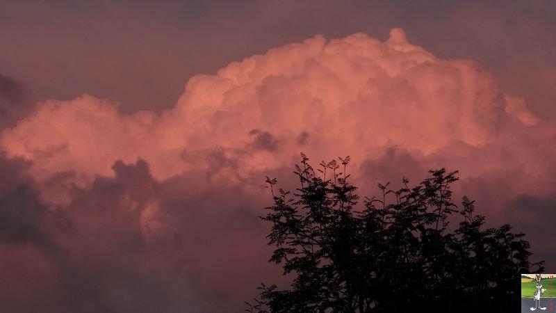 2014-09-05 : Nuagesrouges et Lune à La Mainmorte (39) 2014-09-05_nuages_lune_02