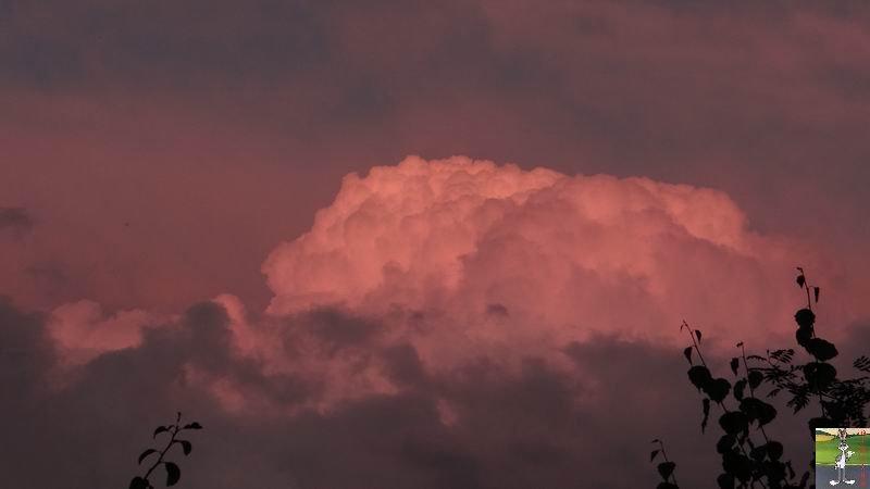 2014-09-05 : Nuagesrouges et Lune à La Mainmorte (39) 2014-09-05_nuages_lune_03