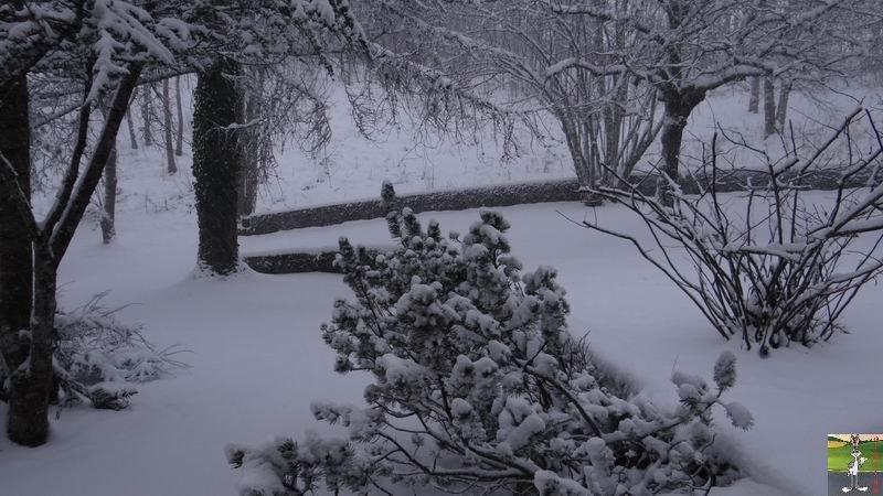 2014-12-27 : La neige est là et bien là à La Mainmorte (39) 2014-12-27_neige_02