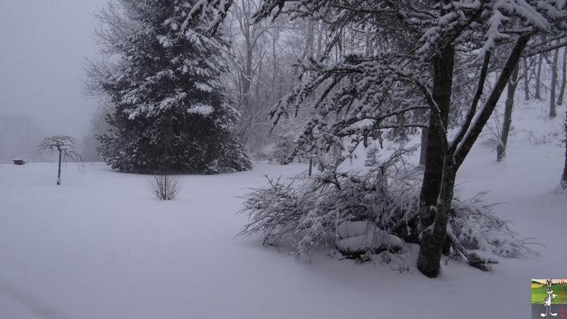 2014-12-27 : La neige est là et bien là à La Mainmorte (39) 2014-12-27_neige_05