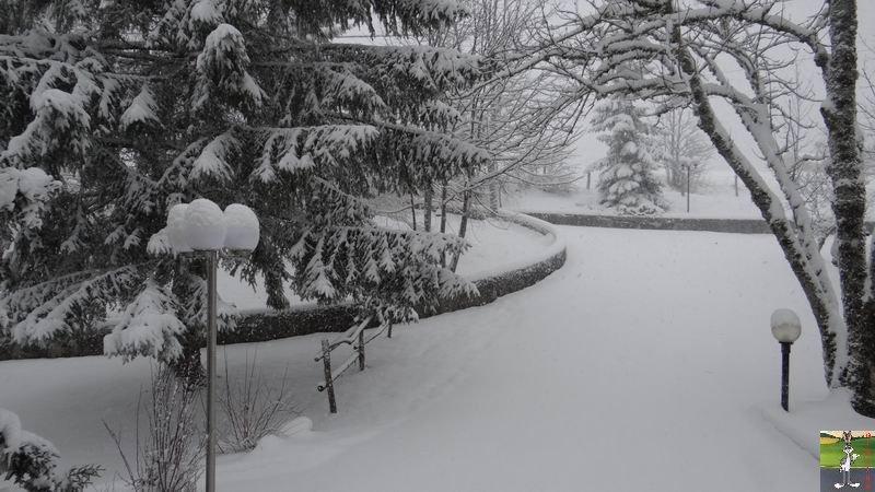 2014-12-27 : La neige est là et bien là à La Mainmorte (39) 2014-12-27_neige_07
