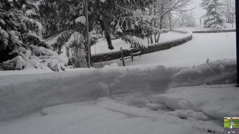 2014-12-27 : La neige est là et bien là à La Mainmorte (39) 2014-12-27_neige_09