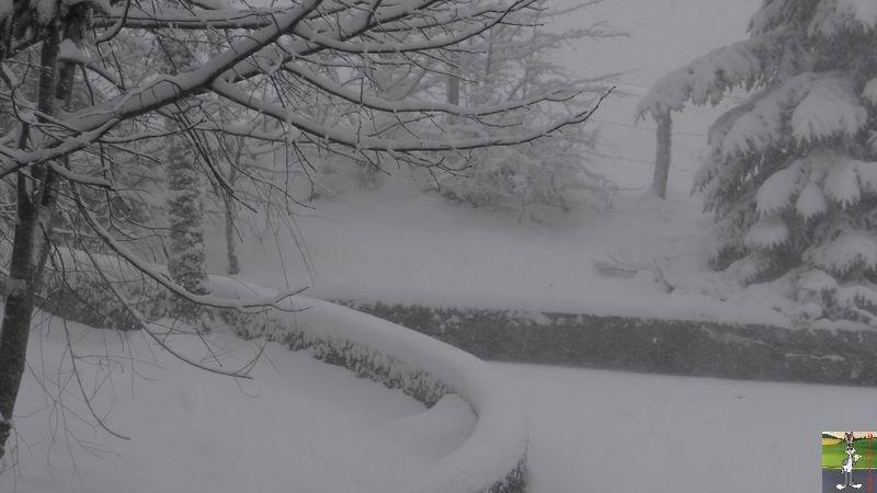 2014-12-27 : La neige est là et bien là à La Mainmorte (39) 2014-12-27_neige_11