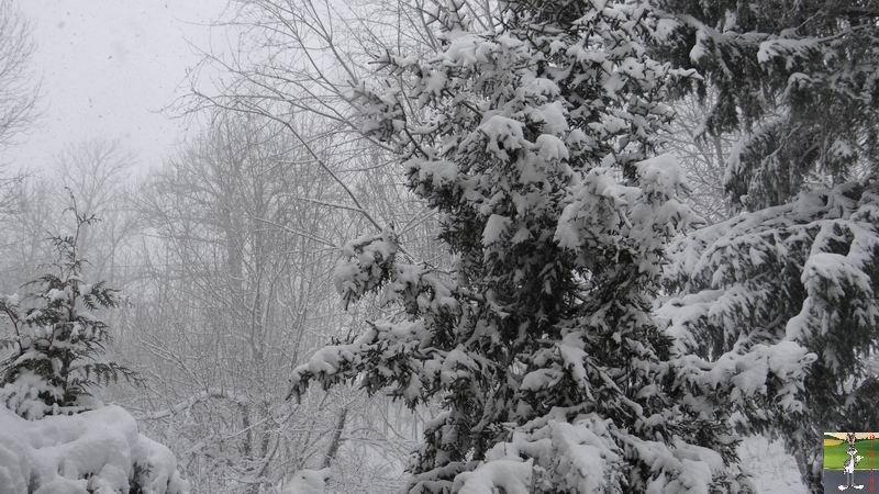 2014-12-27 : La neige est là et bien là à La Mainmorte (39) 2014-12-27_neige_12