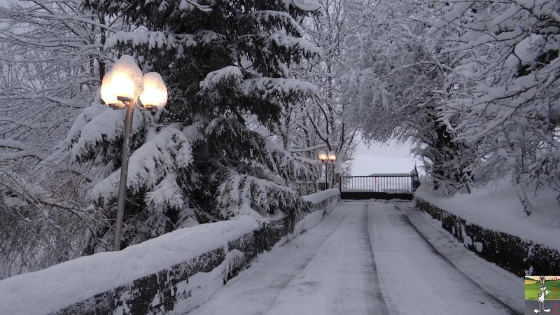 2017-12-16 : Neige et déco de Noël à La Mainmorte (39) 2017-12-16_Neige_deco_noel_12