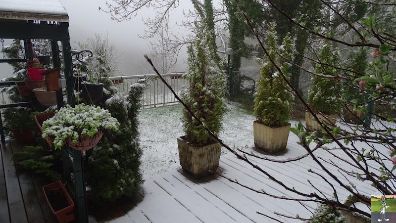 2019-04-28 : Et rebelotte, retour de la neige à La Mainmorte (39) 2019-04-28_neige_04