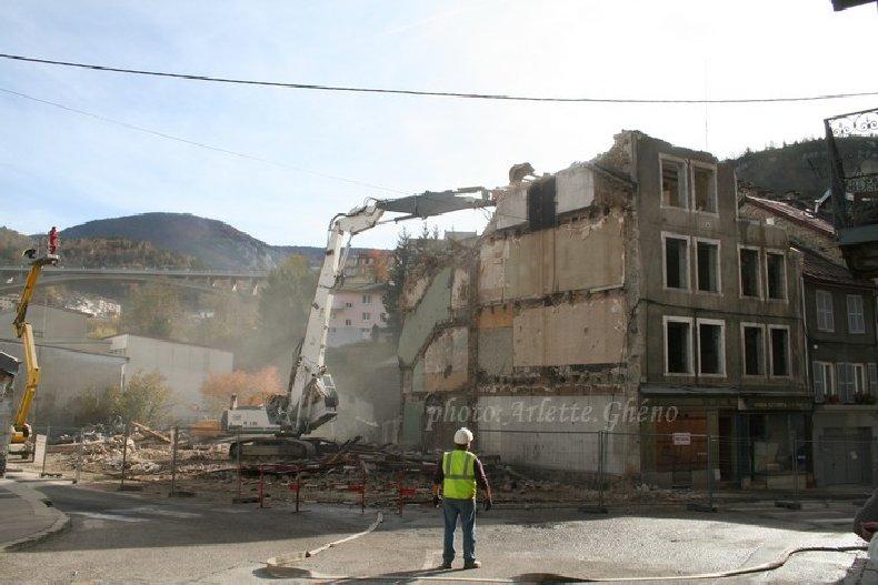 Démolition d'immeuble au Fb Marcel à St-Claude (39) Fbm_13