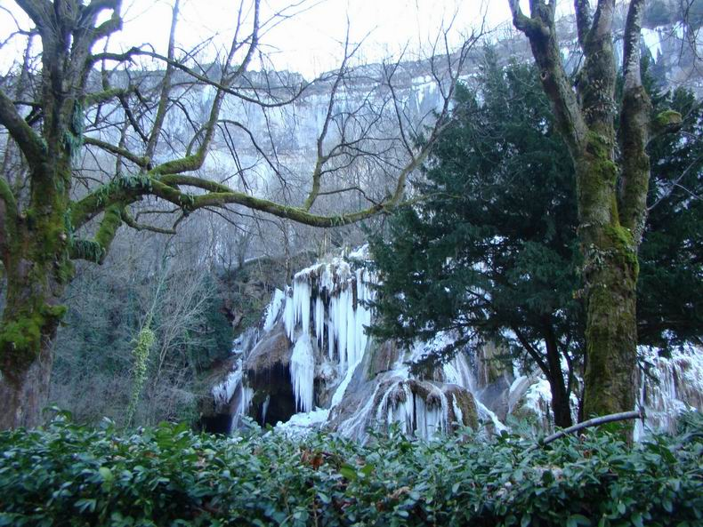 La Cascade des Tuffes - Grottes de Baume les Messieurs (39) Tuffes_01