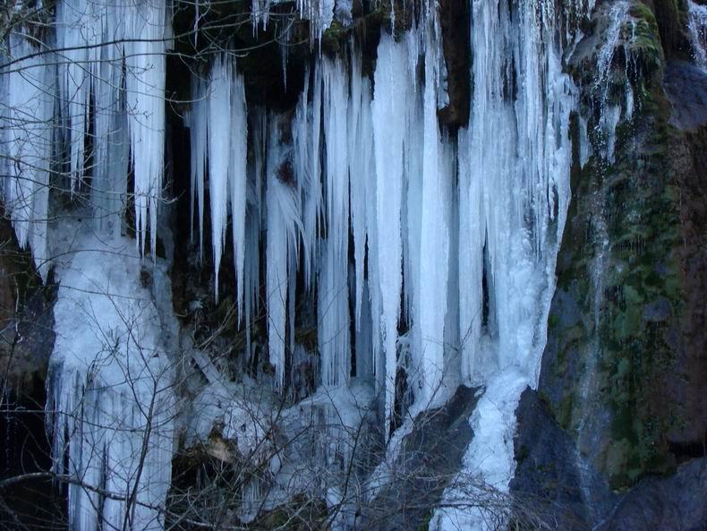 La Cascade des Tuffes - Grottes de Baume les Messieurs (39) Tuffes_04