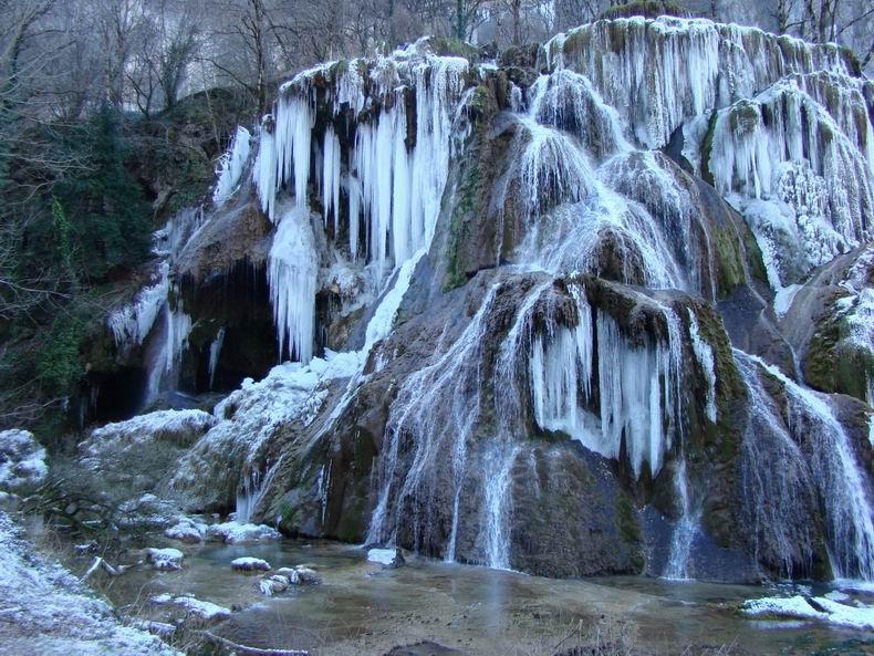 La Cascade des Tuffes - Grottes de Baume les Messieurs (39) Tuffes_06