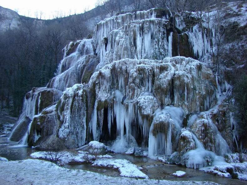 La Cascade des Tuffes - Grottes de Baume les Messieurs (39) Tuffes_09