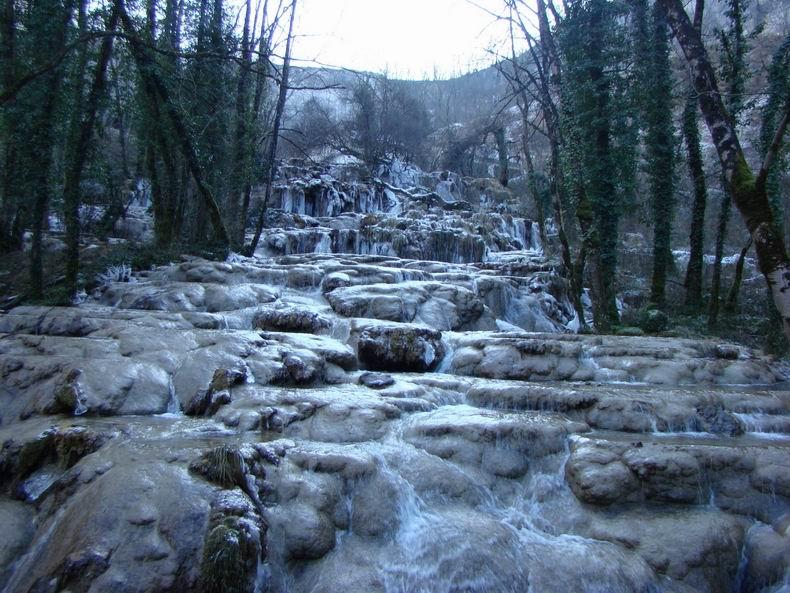 La Cascade des Tuffes - Grottes de Baume les Messieurs (39) Tuffes_12