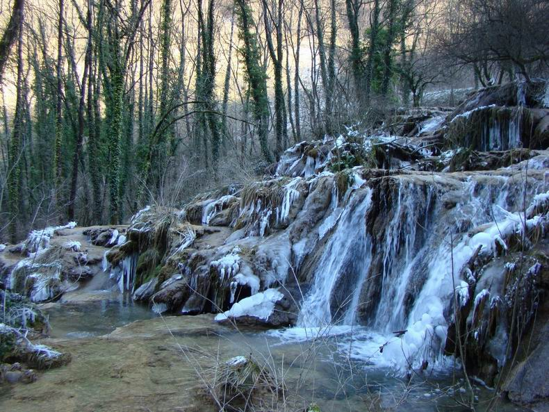 La Cascade des Tuffes - Grottes de Baume les Messieurs (39) Tuffes_13