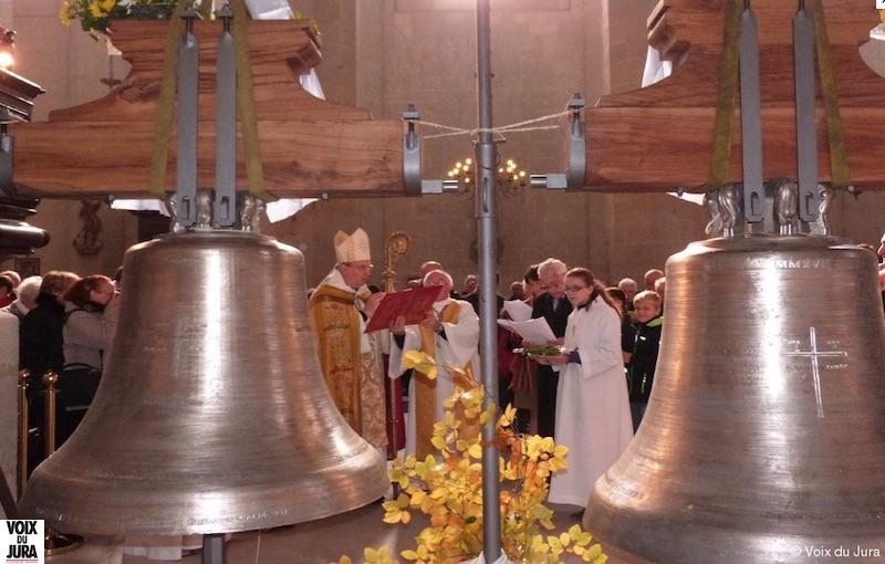 2017-11-01 : Retour des deux cloches de la Cathédrale de St-Claude (39) 2017-11-01_cloches_02